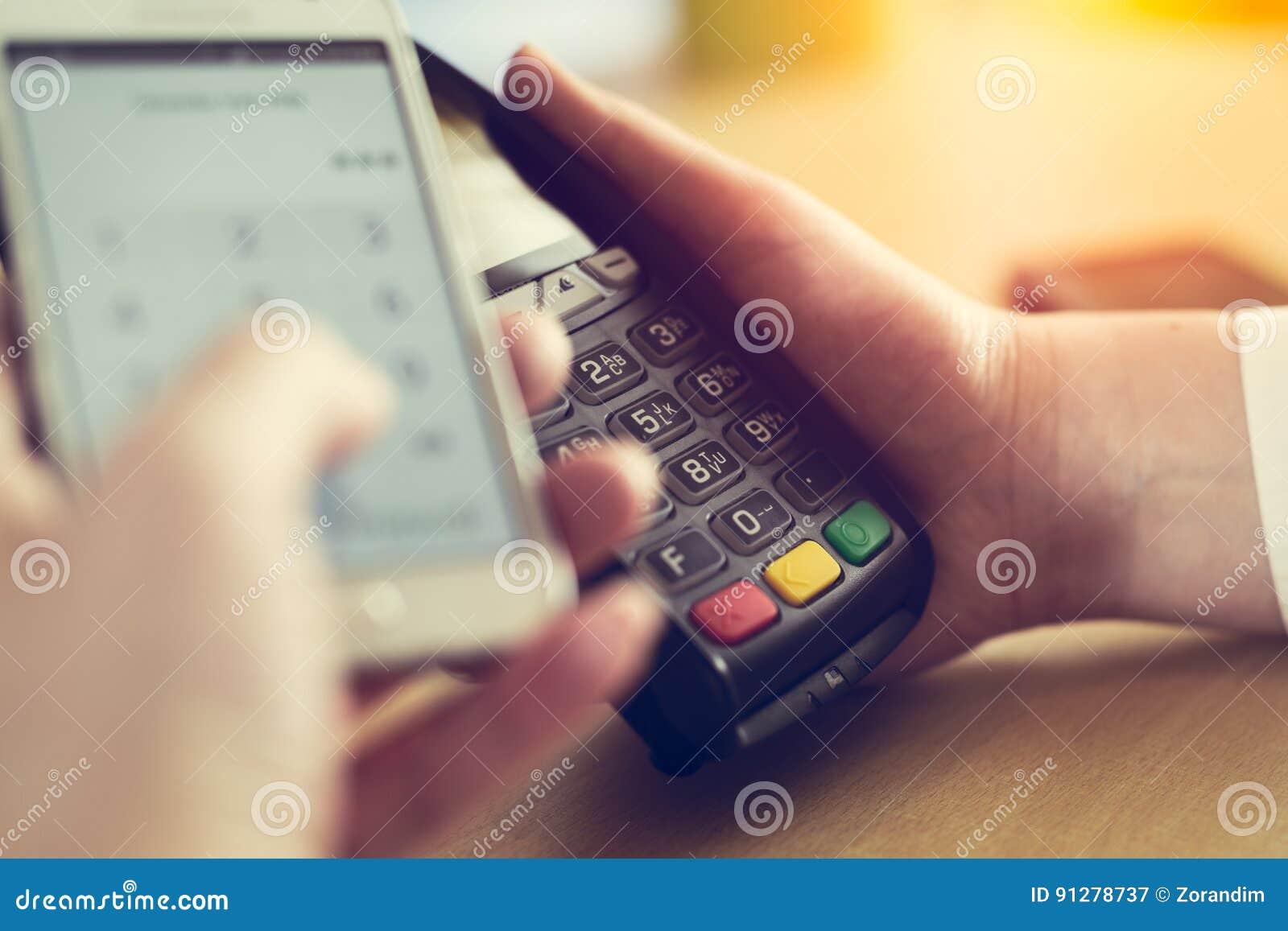 Betala till och med smartphonen genom att använda NFC-teknologi