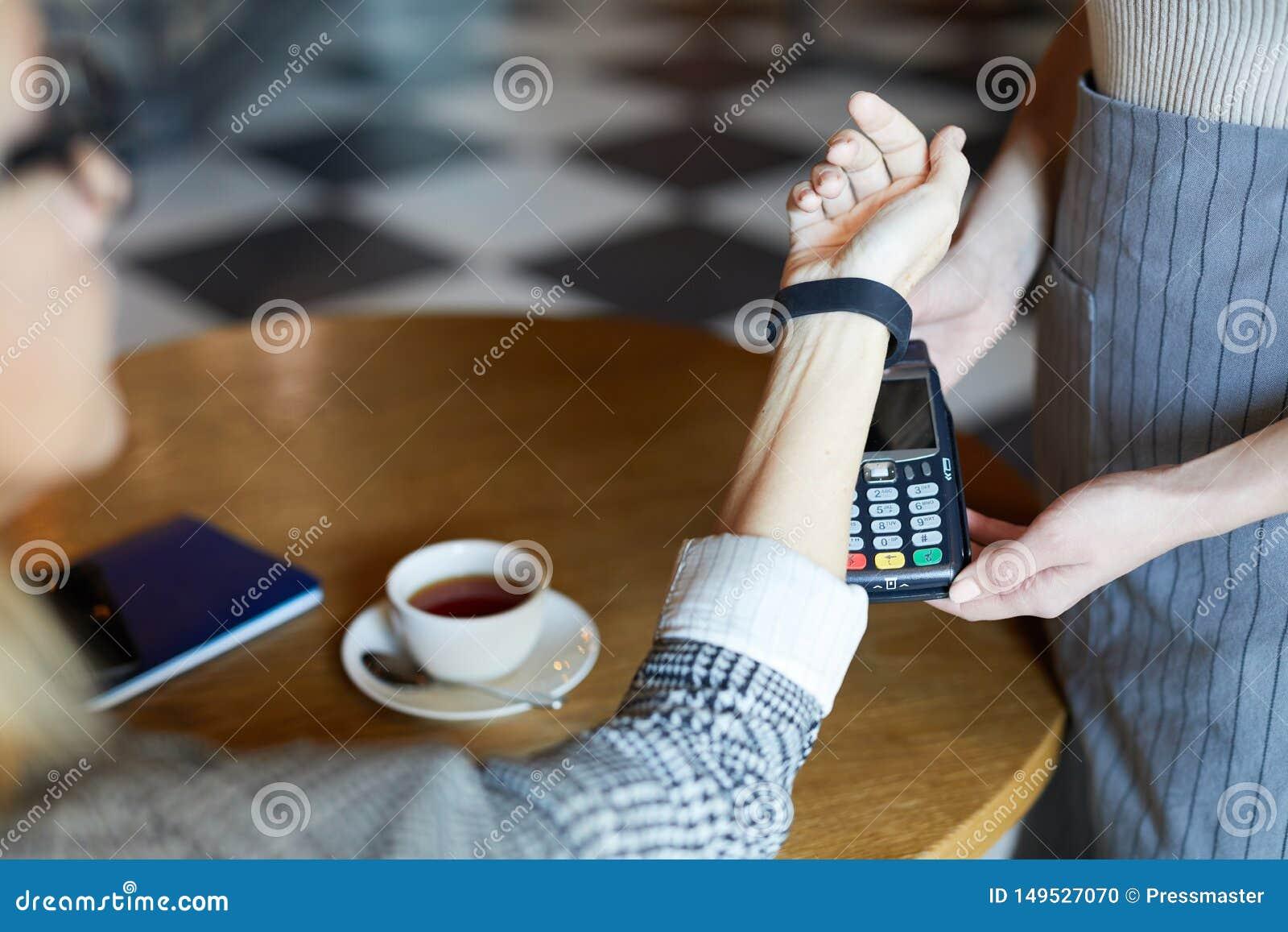 Betala vid smartwatch