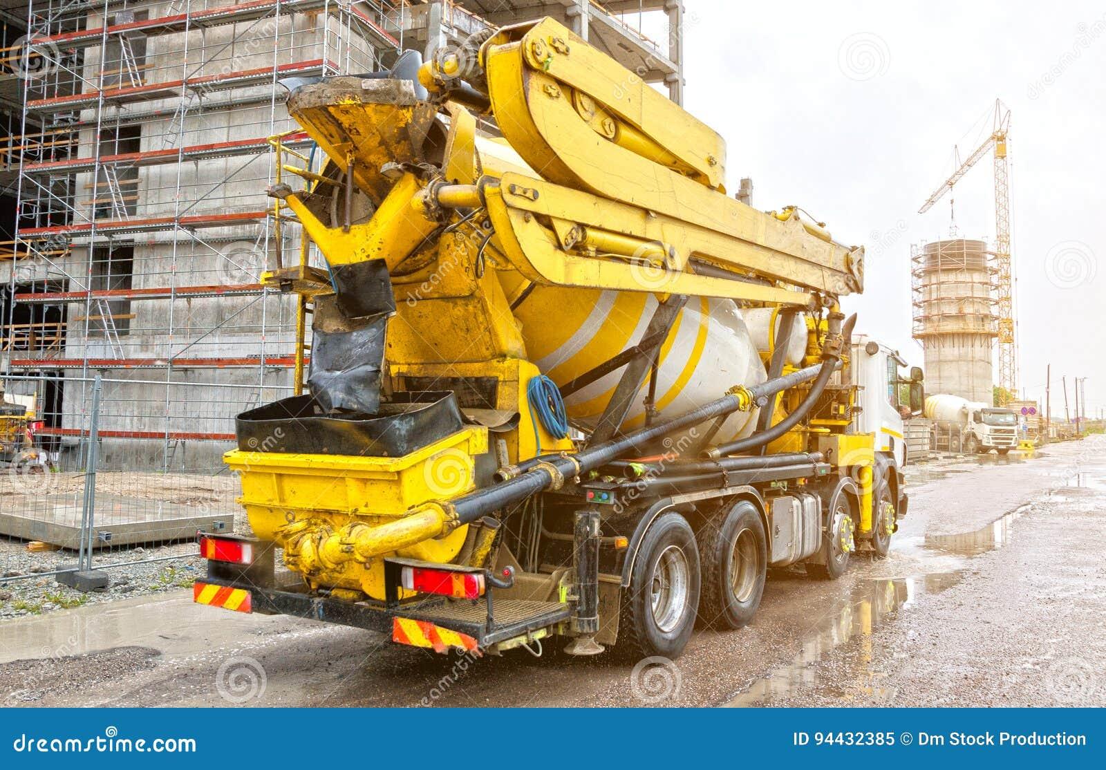 Betonowego melanżeru ciężarówka
