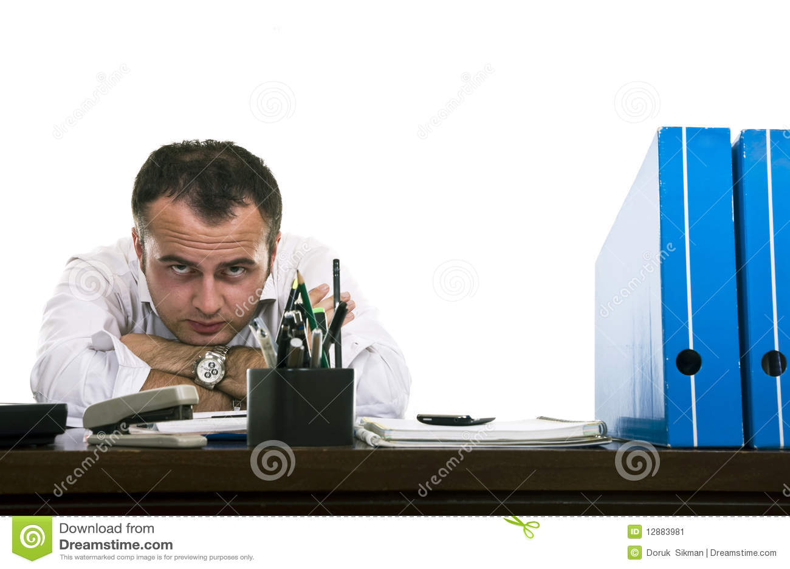 Betonter u. frustrierter Geschäftsmann