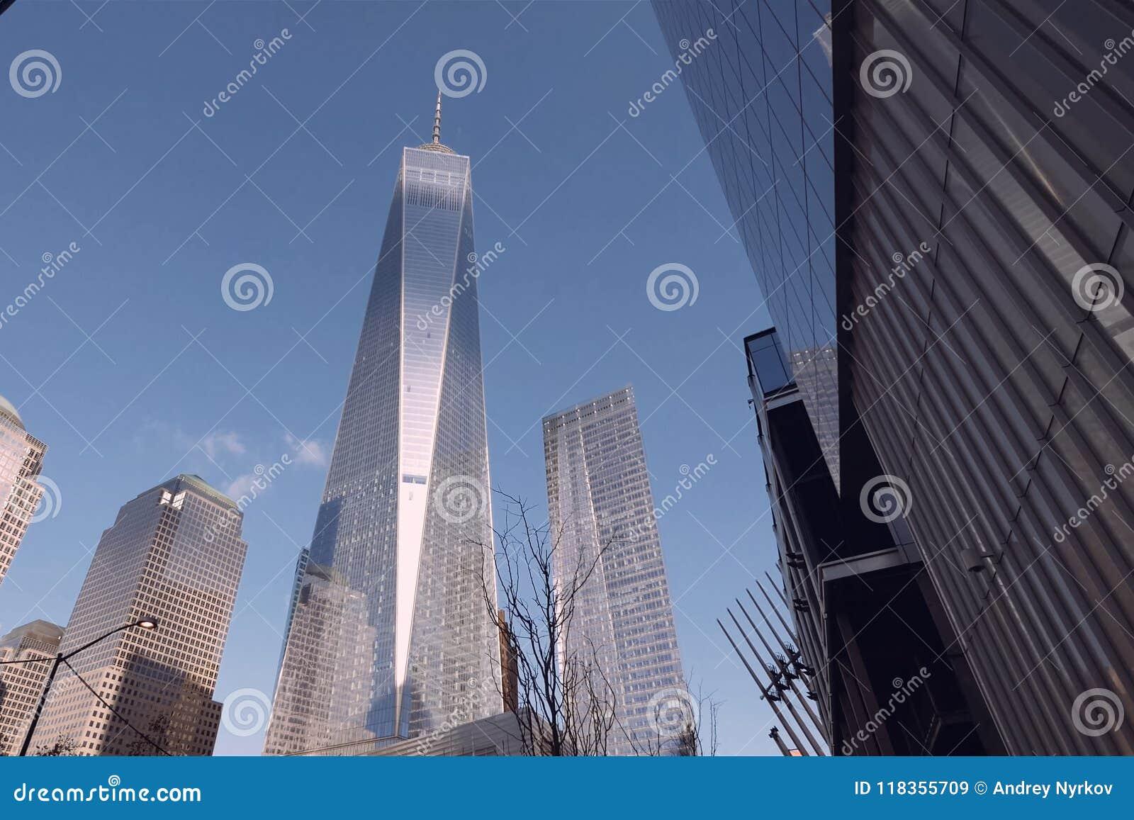 Betrachten Sie oben den Wolkenkratzern von New York Hochhausbau