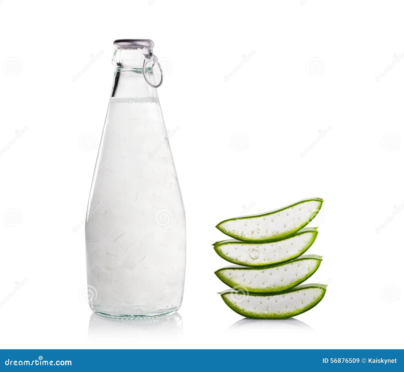 Bevande di Vera Healthy dell aloe su fondo bianco