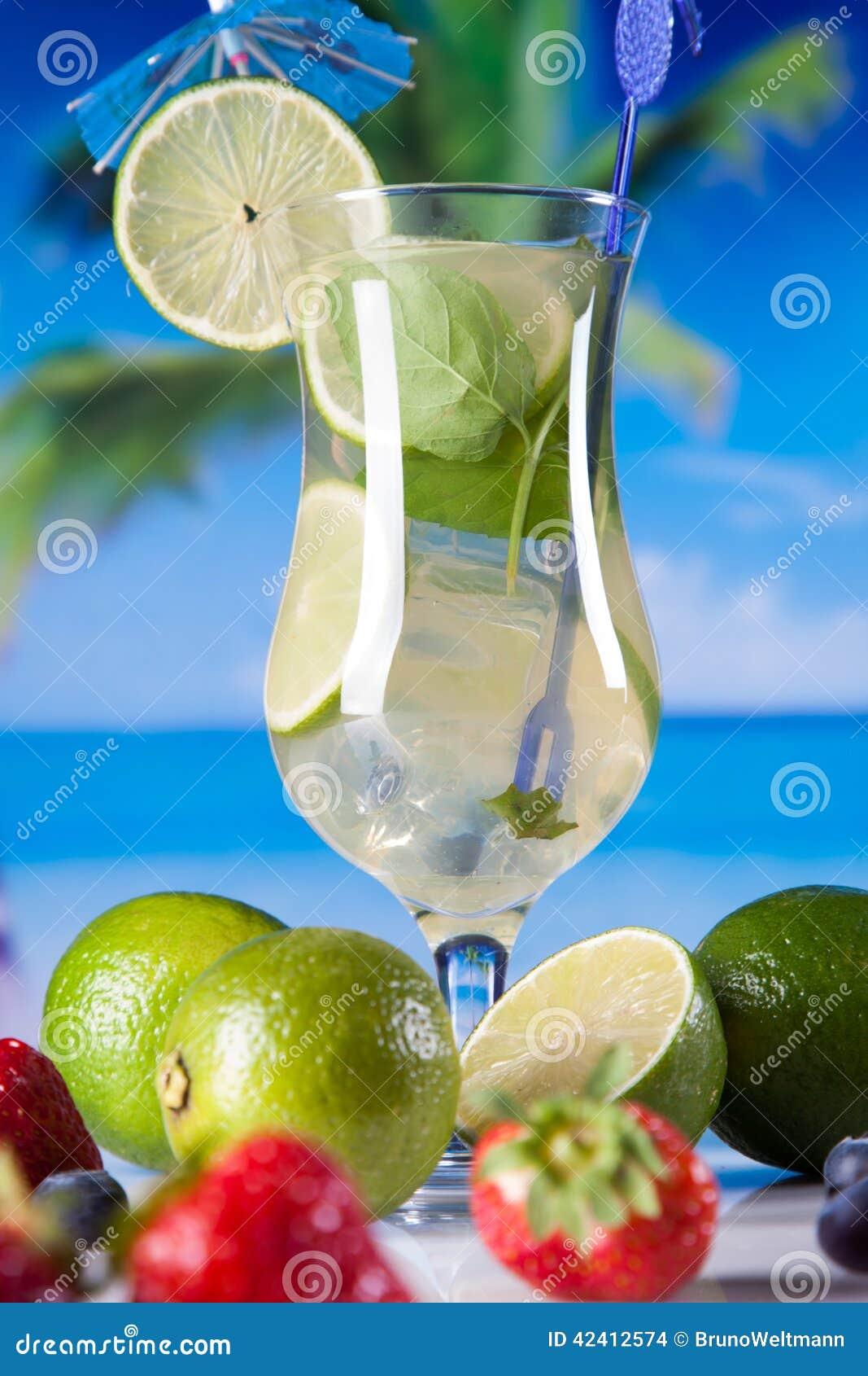 Bevande tropicali sulla spiaggia