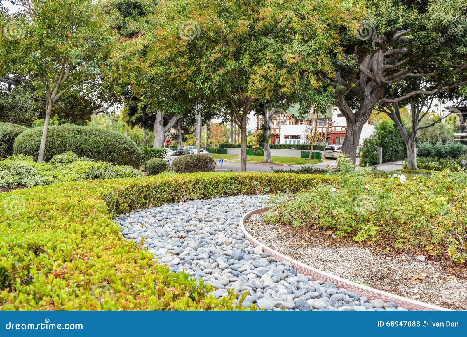 Diseo de paisajes y jardines excellent jardineria - Paisajes de jardines ...