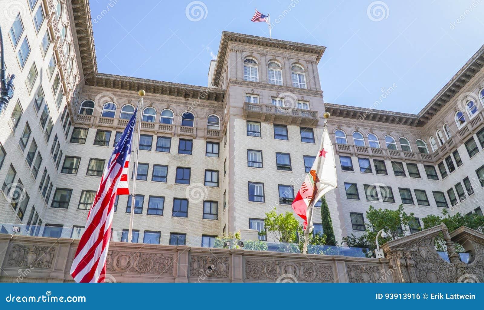 Beverly Wilshire Hotel - som är bekant från nätt kvinna - ett lyxigt hotell i Beverly Hills - LOS ANGELES - KALIFORNIEN - APRIL 2