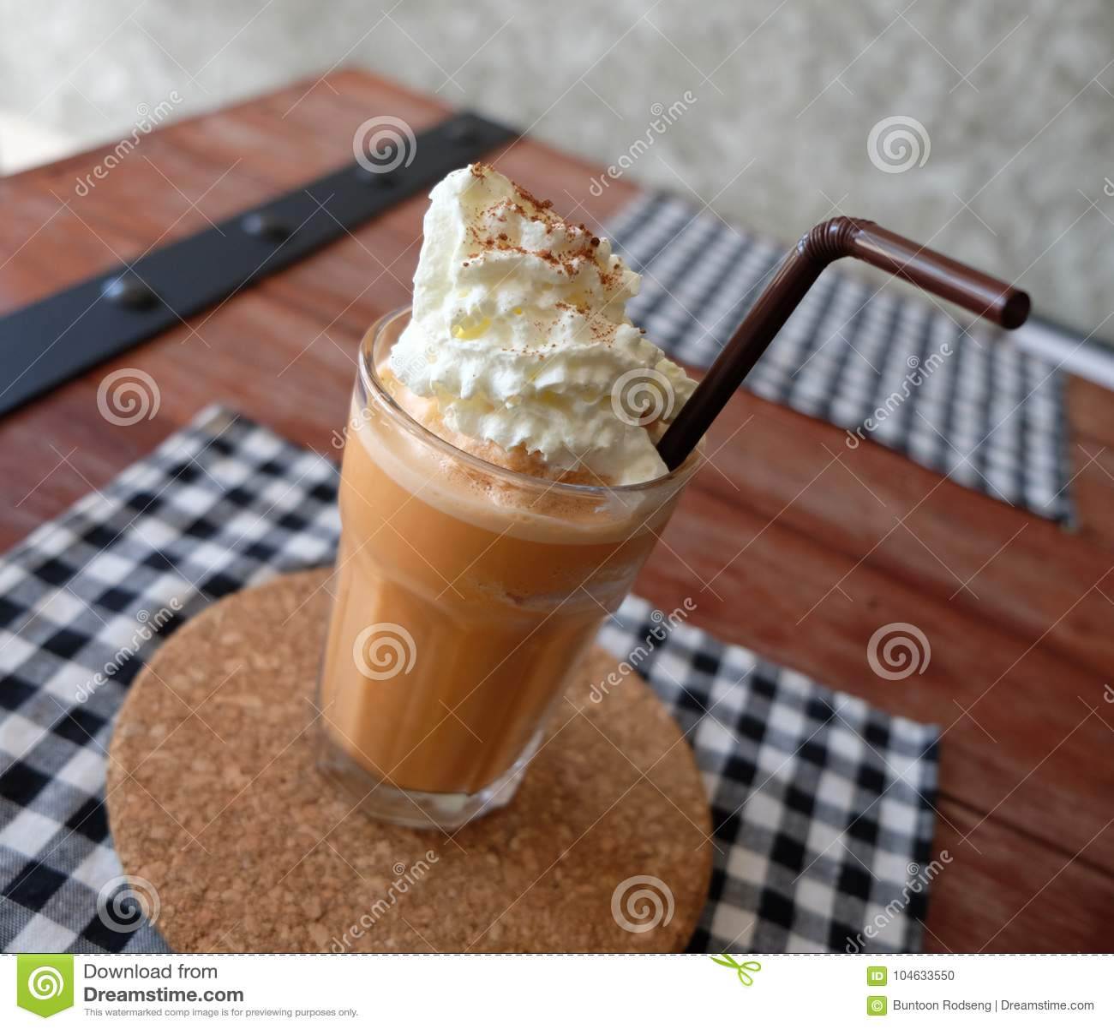 Download Bevroren Thee Met Melk Smoothies Stock Foto - Afbeelding bestaande uit drank, heerlijk: 104633550