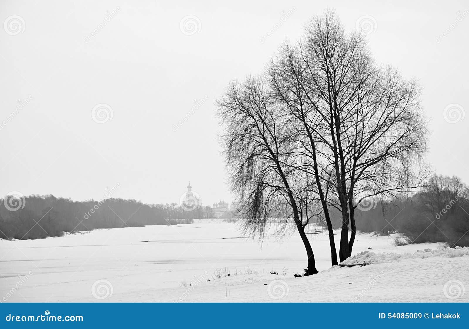 Bevroren Volkhov-rivier