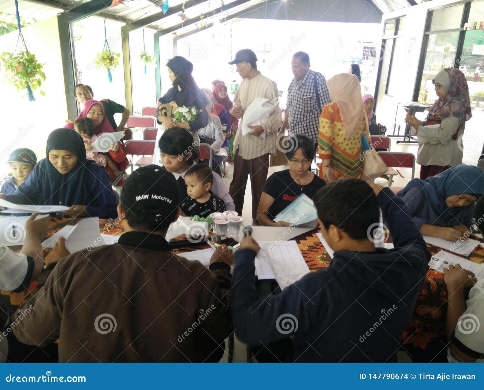Beweglicher Service f?r die Herstellung eines childs Personalausweises, Jakarta, Indonesien am 2. April 2019