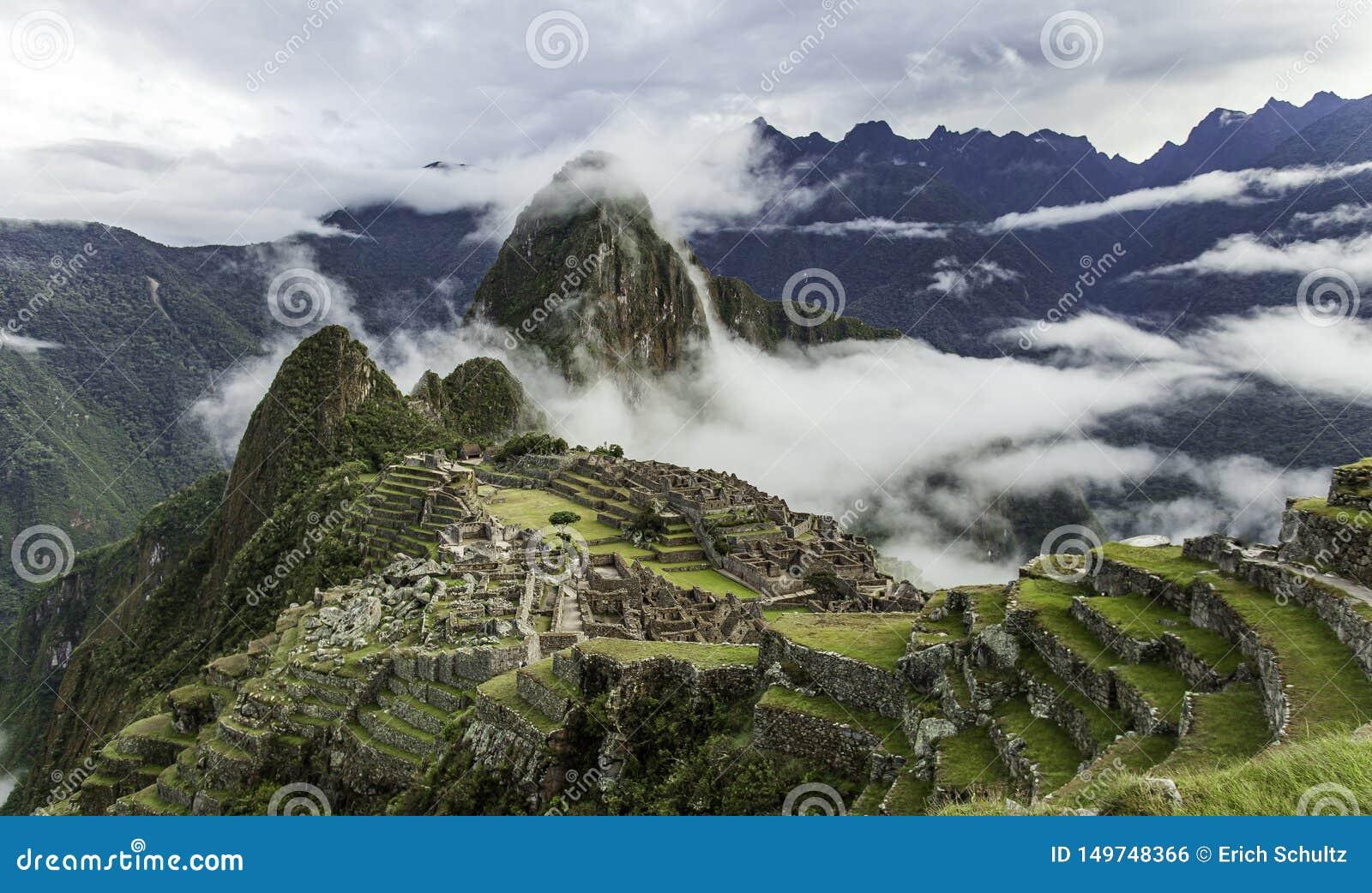 Bewolkte Ochtend in Machu Picchu