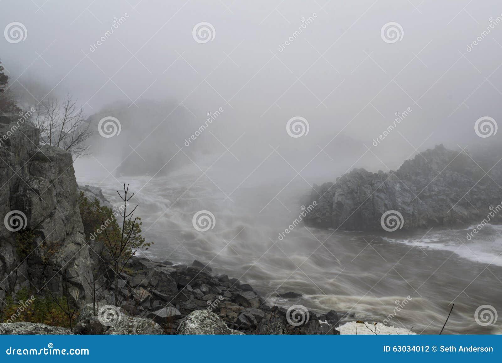 Bewolkte Rivierkloof
