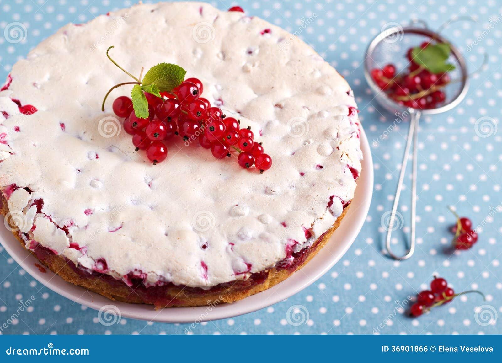 Beza czerwonego rodzynku tort