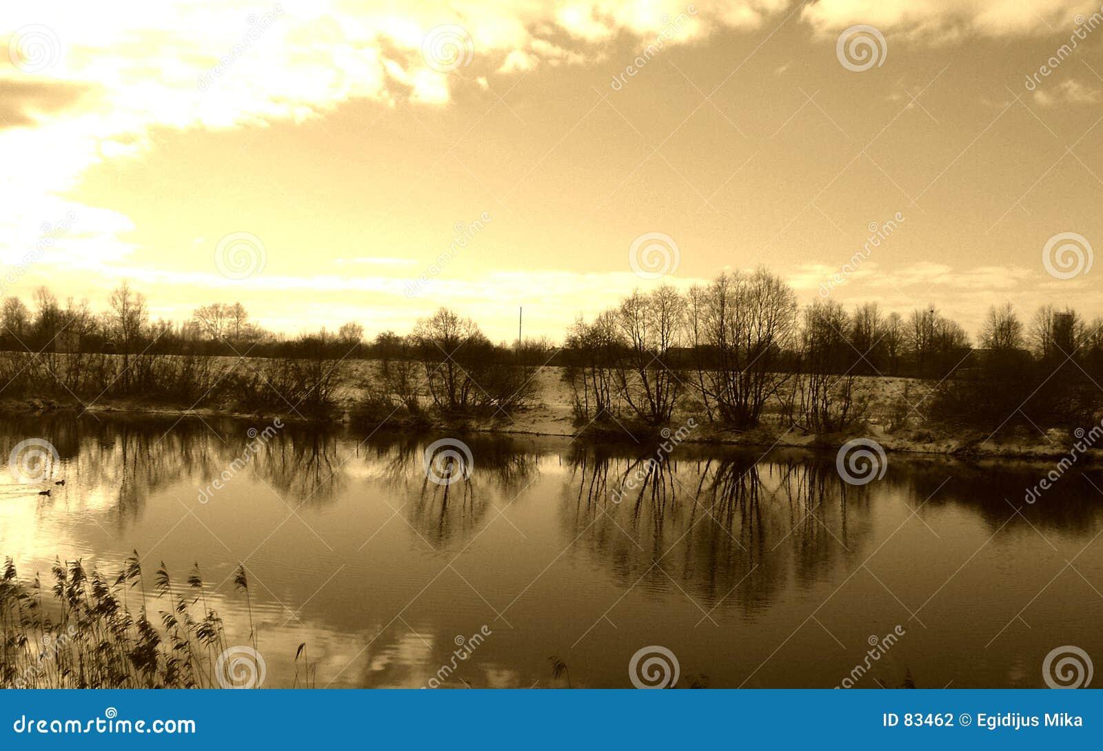 Bezinning in water