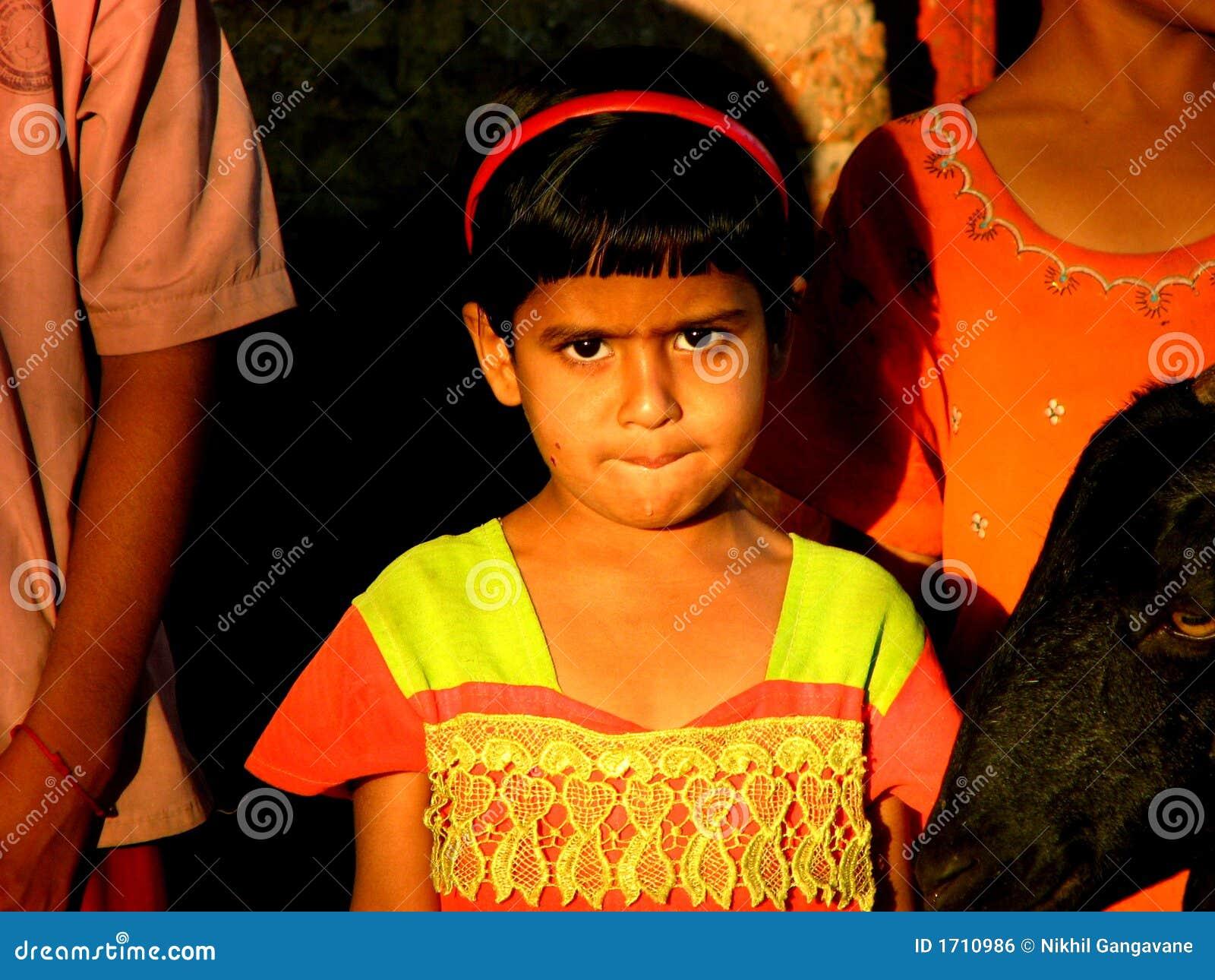 Bezorgd Indisch Meisje