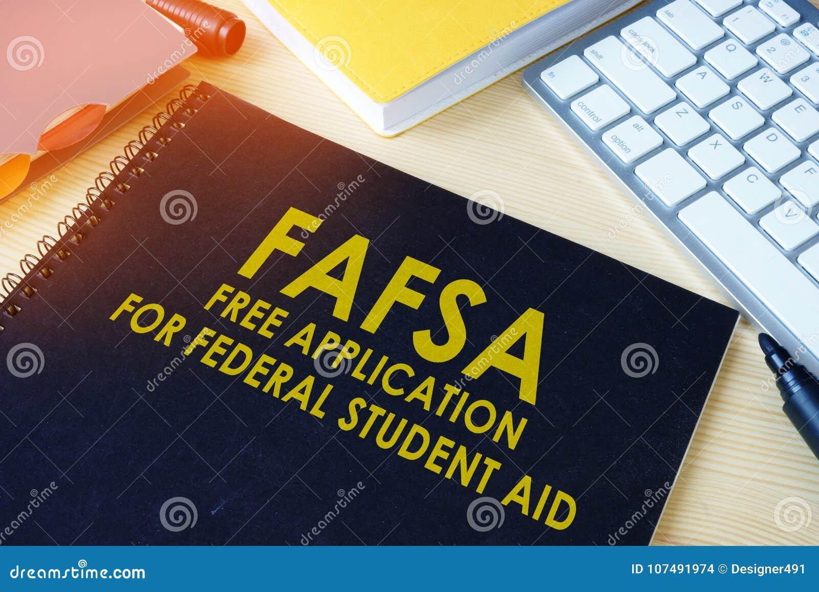 Bezpłatny zastosowanie dla Federacyjnej Studenckiej pomocy FAFSA