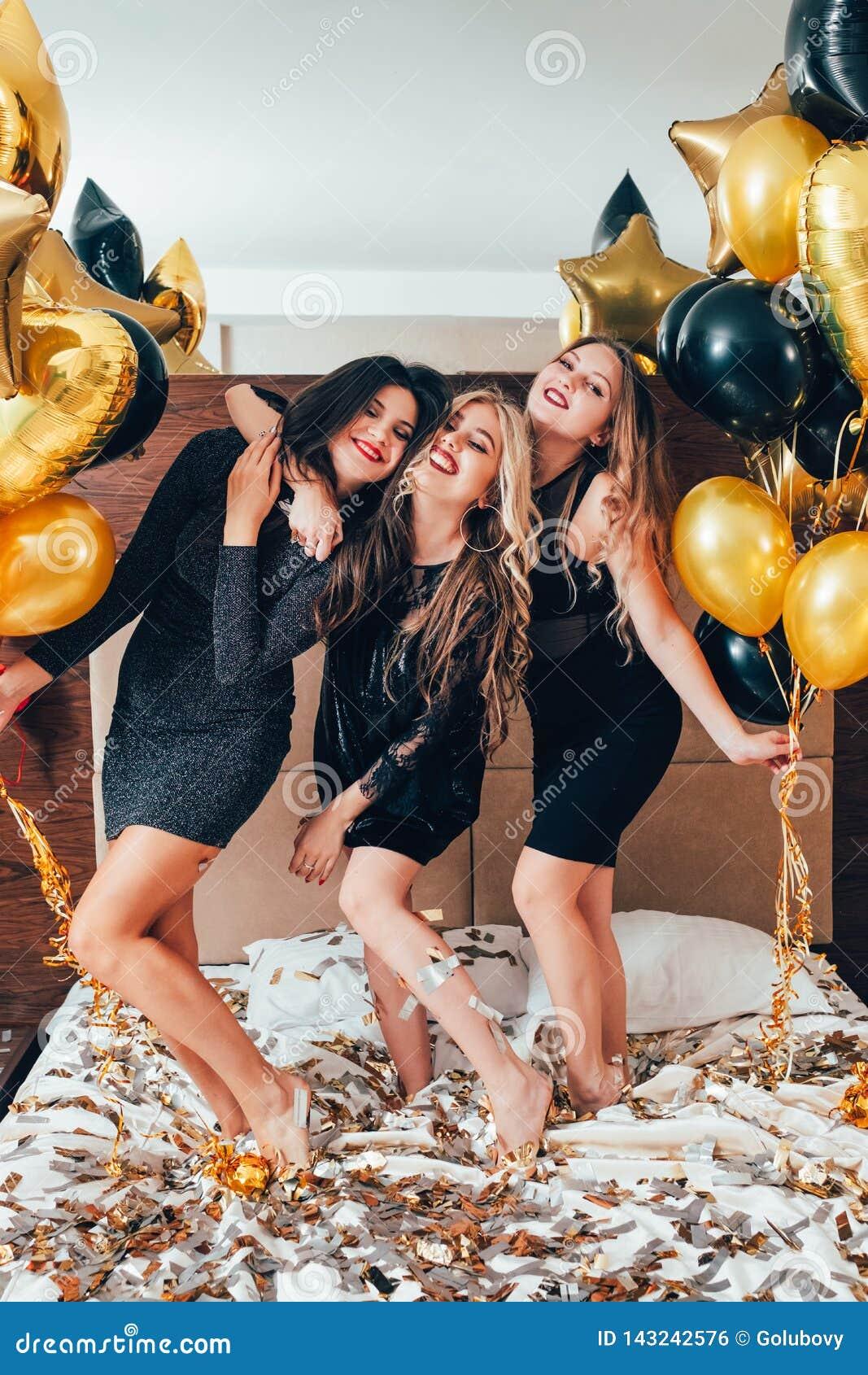 Bff hangout urban girls leisure lifestyle confetti