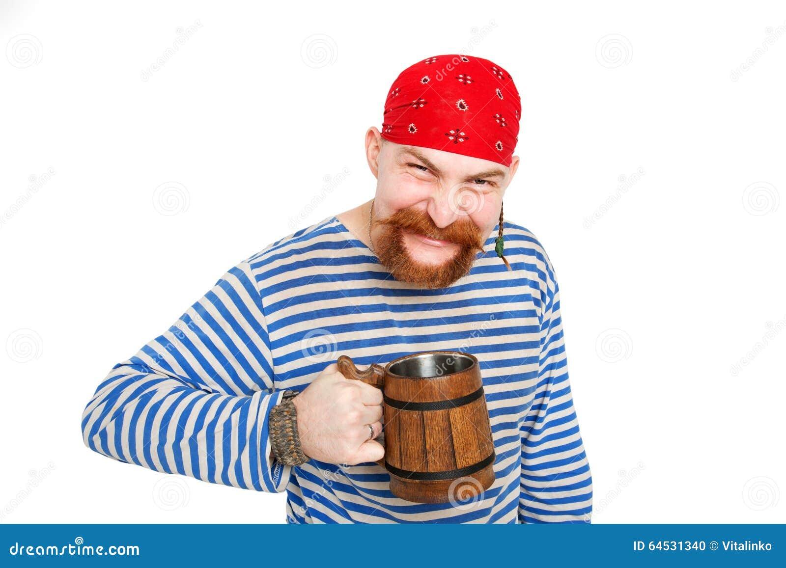 Bière potable de pirate heureux