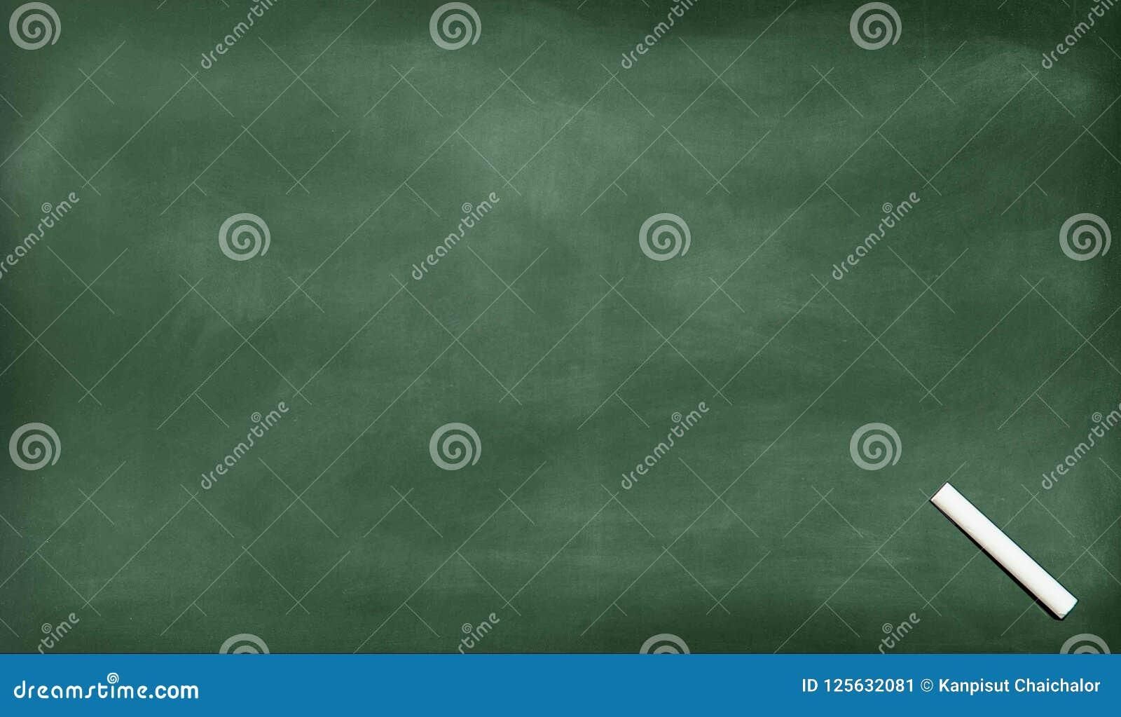 Biała kreda na kredzie nacierał out na blackboard Szkolny blackboard Czarny pusty chalkboard dla tła