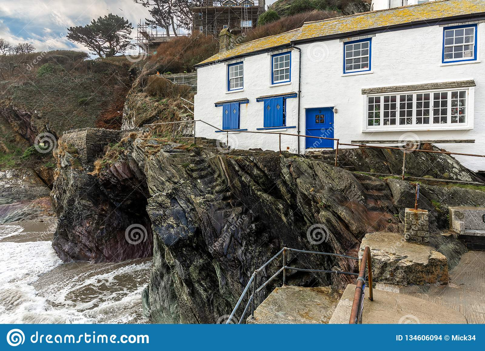 Biała Wakacyjna chałupa morzem, Polperro, Cornwall, UK
