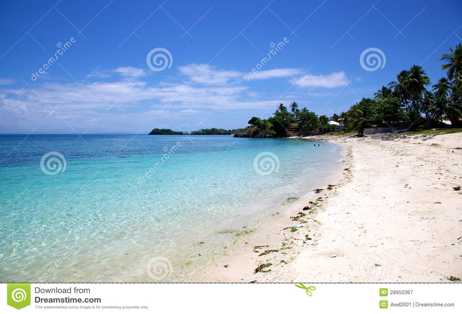 Białego piaska tropikalna plaża na Malapascua wyspie, Filipiny