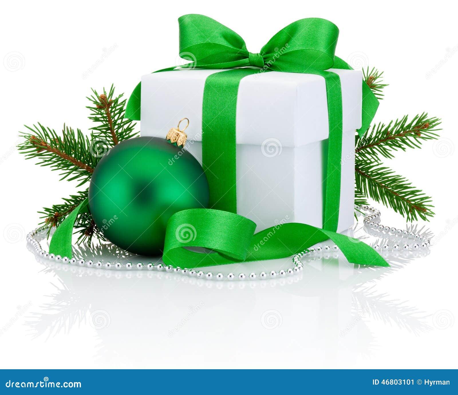 Białego pudełka wiążący łęk, sosny gałąź i boże narodzenia balowy zieleni tasiemkowi,