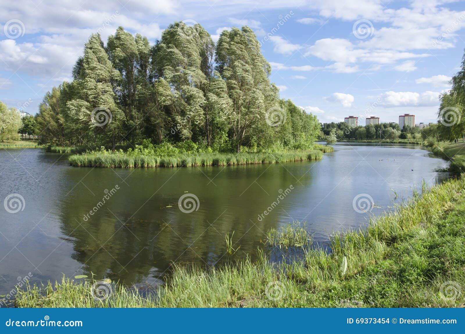 Białoruś, Minsk: przegapia Slepnyank krajobrazowy kanał i Serebryank region