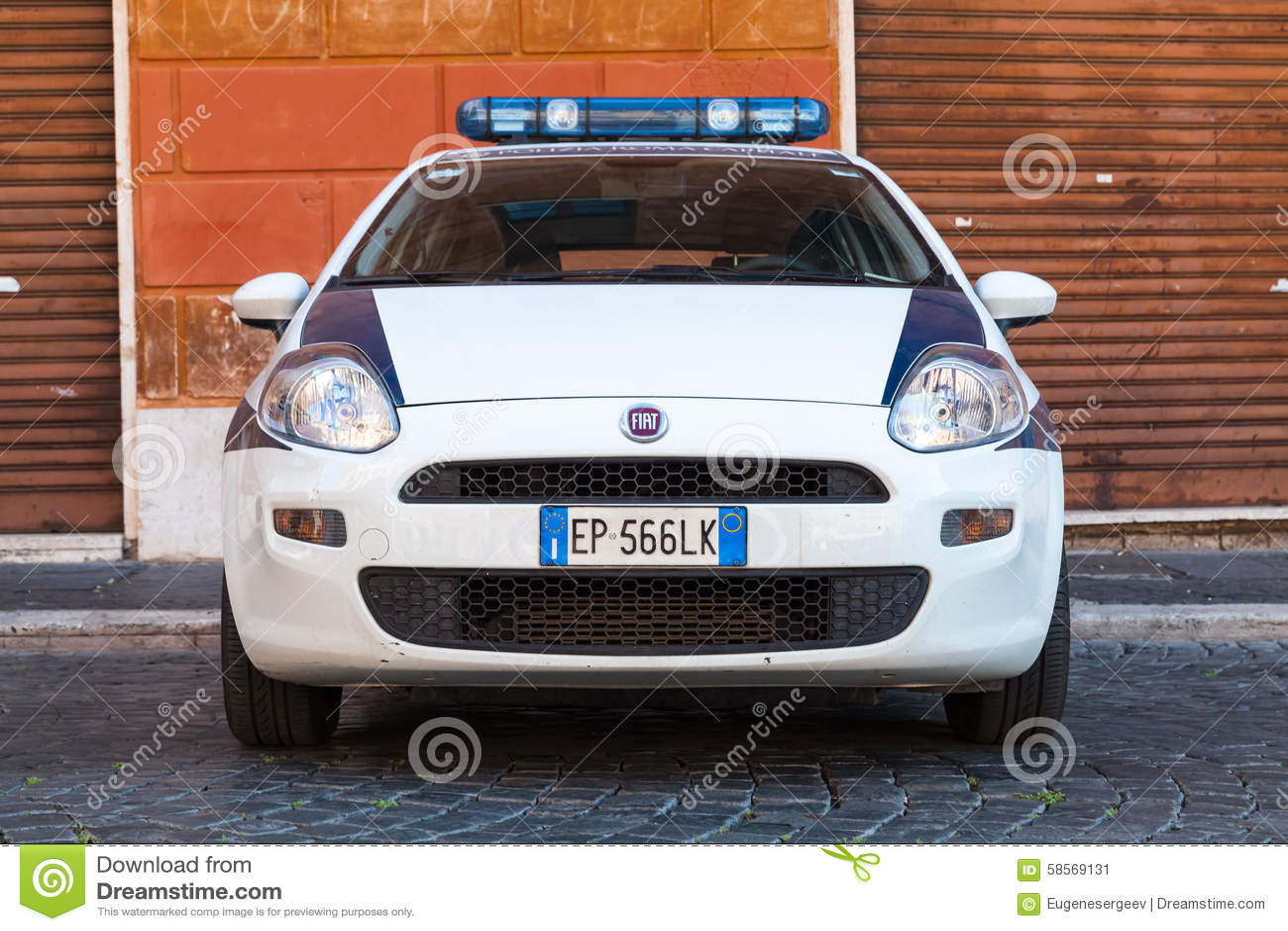 Biały Fiat Fiat Punto Grande Samochód Policyjny Parkujący Zdjęcie on fiat multipla, fiat marea, fiat coupe, fiat ritmo, fiat x1/9, fiat stilo, fiat cars, fiat spider, fiat seicento, fiat 500 abarth, fiat cinquecento, fiat barchetta, fiat bravo, fiat doblo, fiat panda, fiat 500l, fiat linea, fiat 500 turbo,