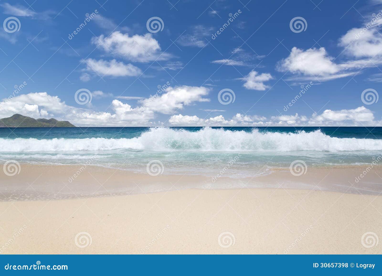 Biały lazuru ocean indyjski i.