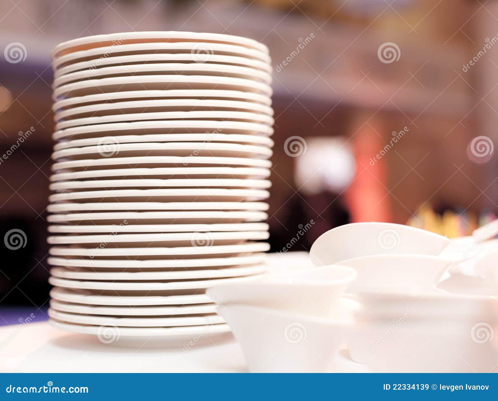 Biały talerze