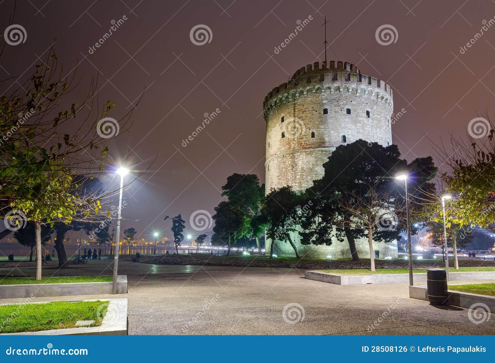 Biały wierza przy nocą, Saloniki, Grecja