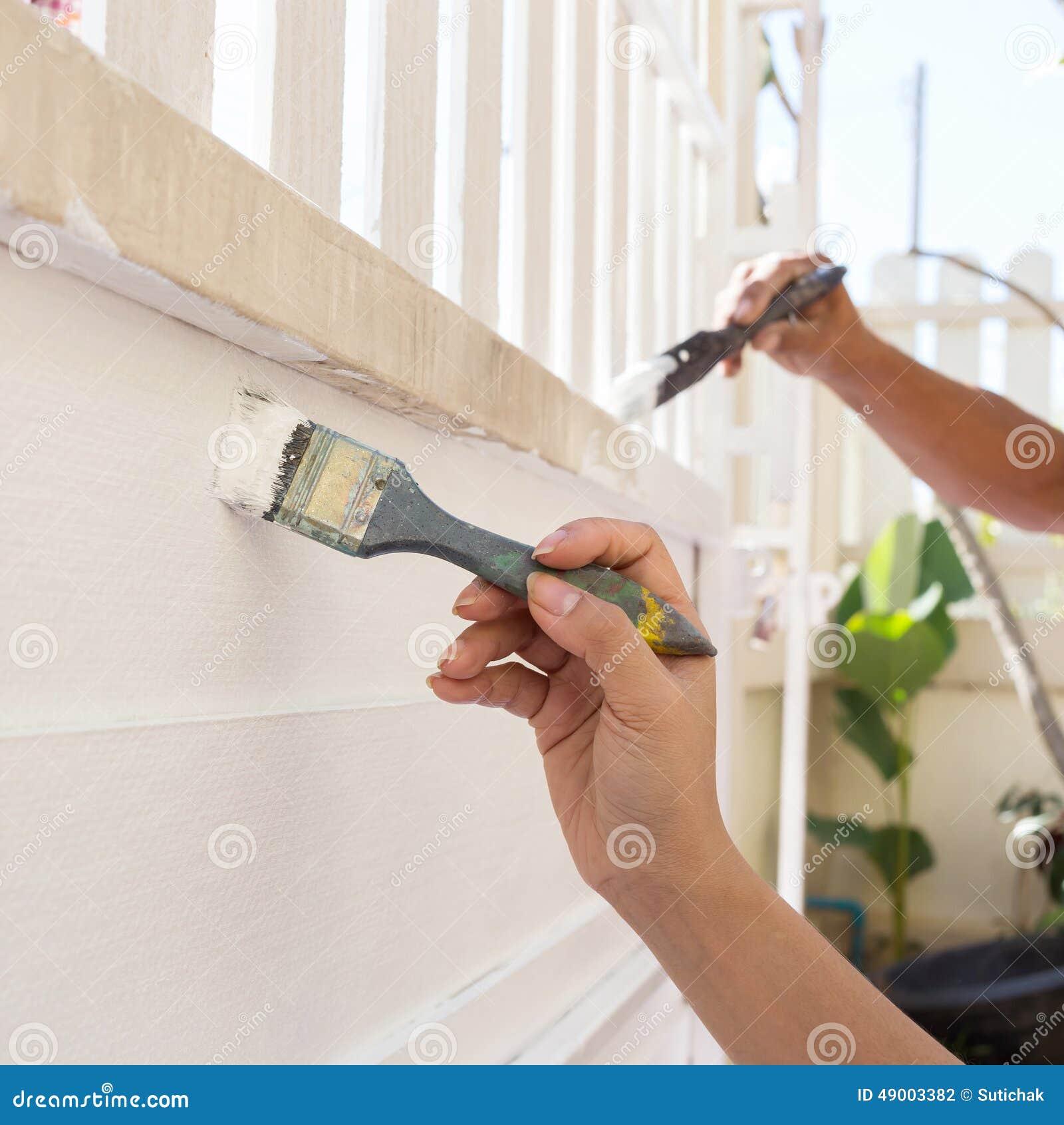Bianco di verniciatura della spazzola della tenuta del lavoratore della mano