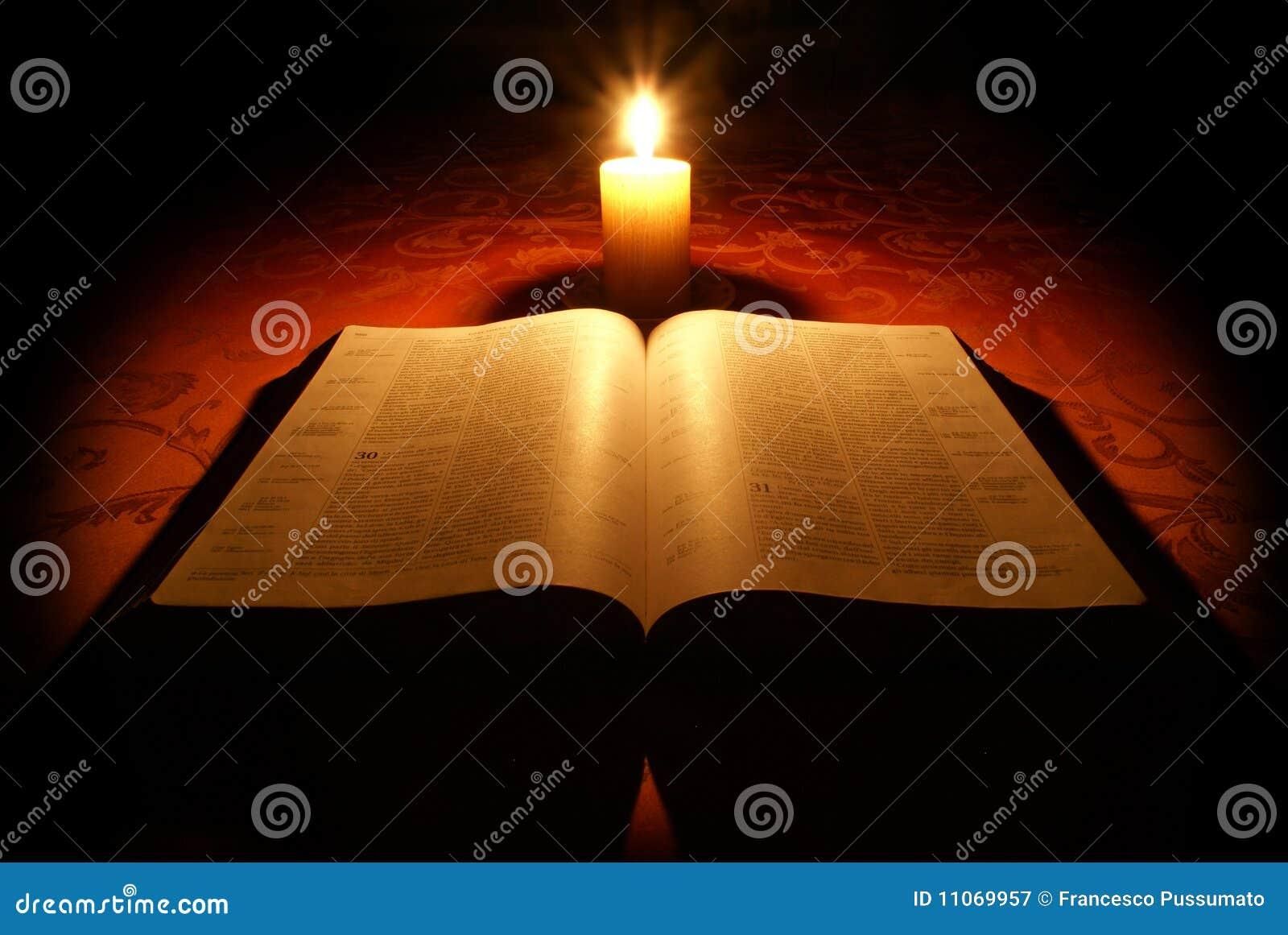 *** Sperem *** 5th sezione _ - Pagina 6 Bibbia-e-candela-11069957