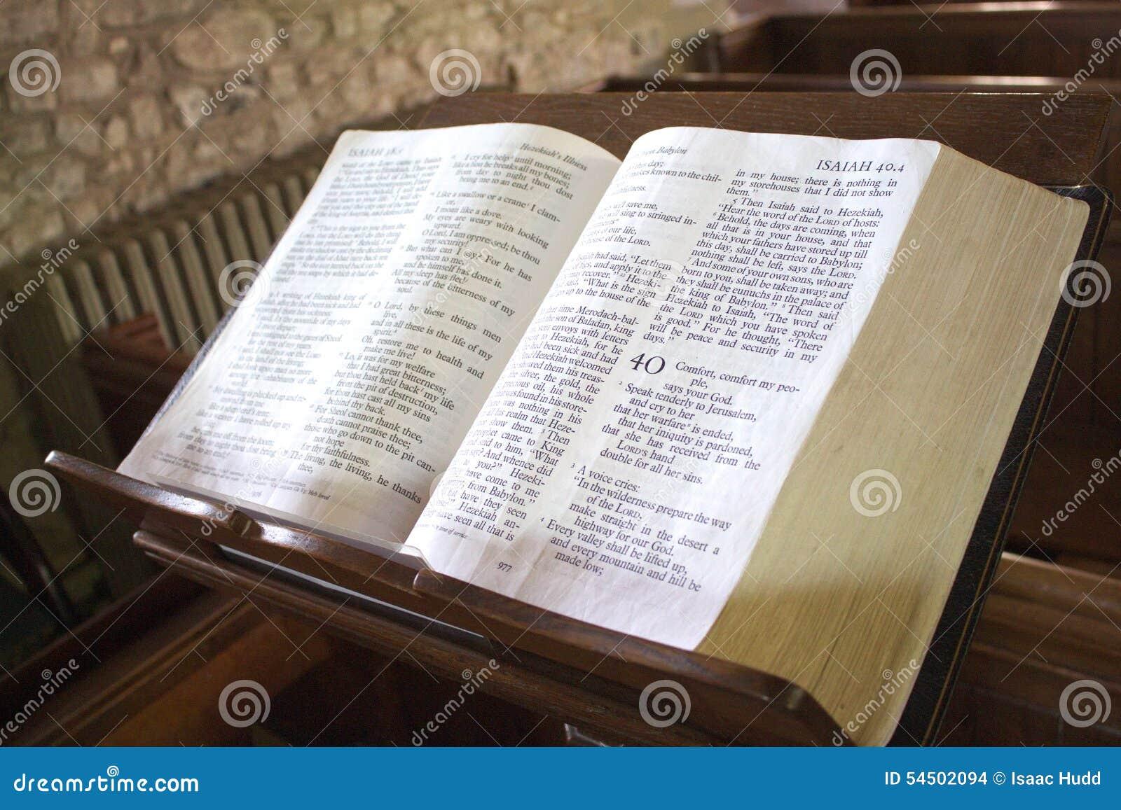 Bible sur le lutrin