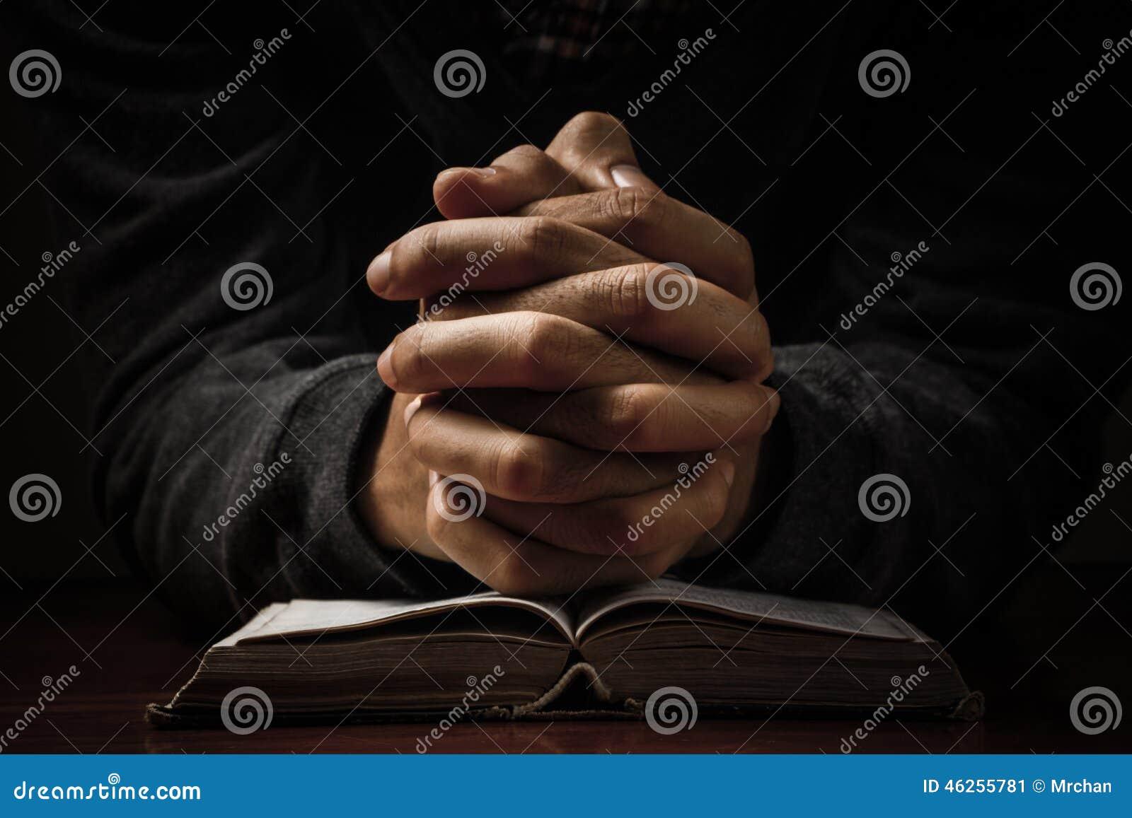 Biblia wręcza modlenie