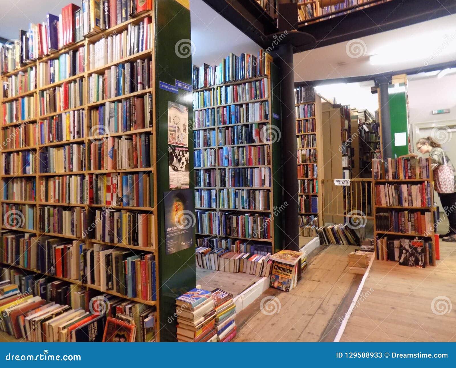 Biblioteca escocesa en Inverness