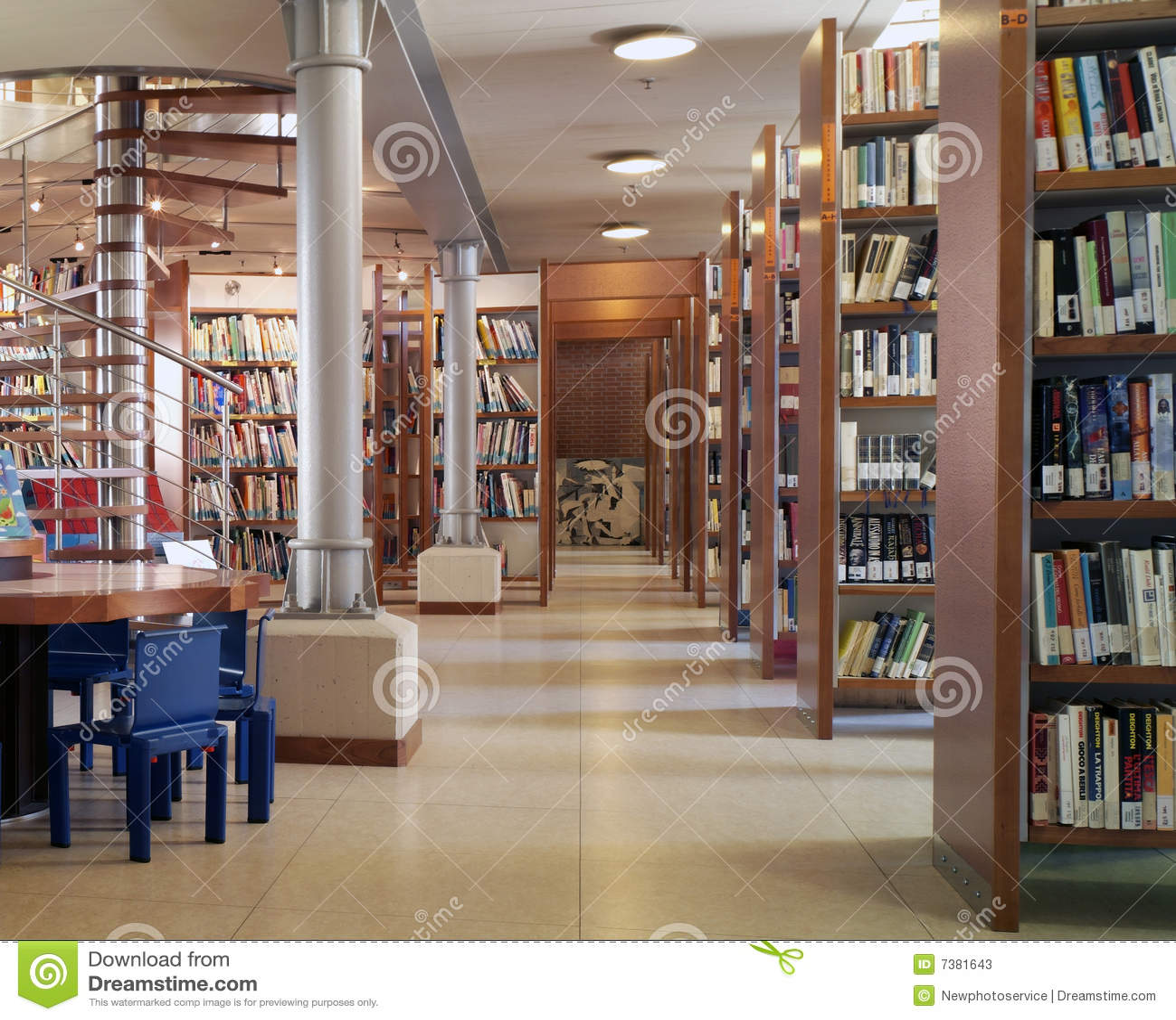 http://thumbs.dreamstime.com/z/biblioteca moderna 7381643.jpg #966135 1300 1145