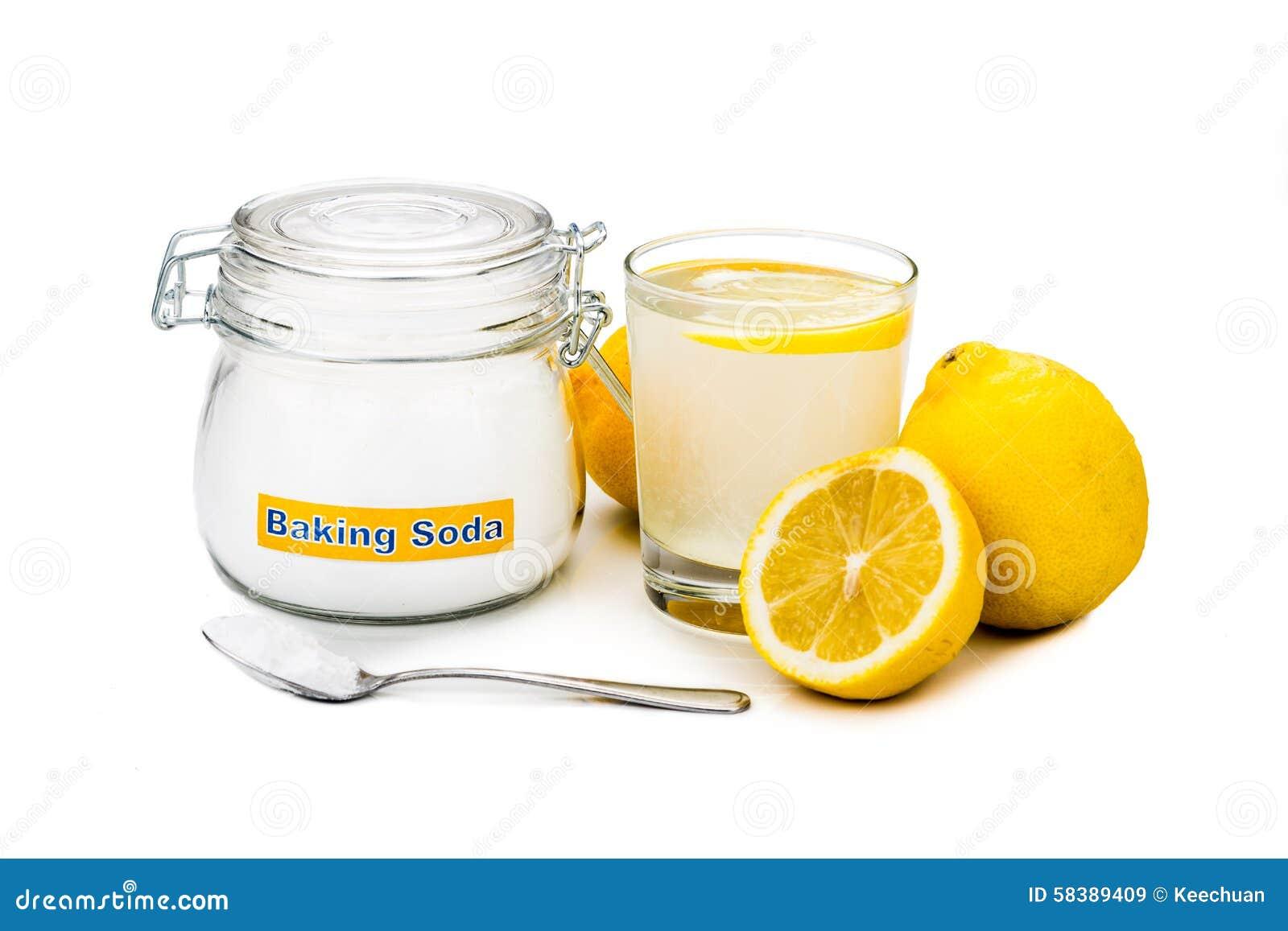bicarbonate de soude avec le jus de citron en verre pour l 39 usag holistique multiple image stock. Black Bedroom Furniture Sets. Home Design Ideas