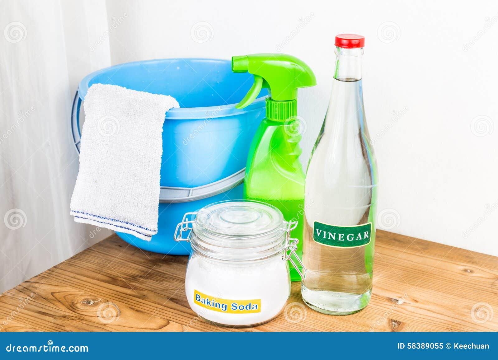 Bicarbonato di sodio con aceto, miscela naturale per l efficace cleani della casa