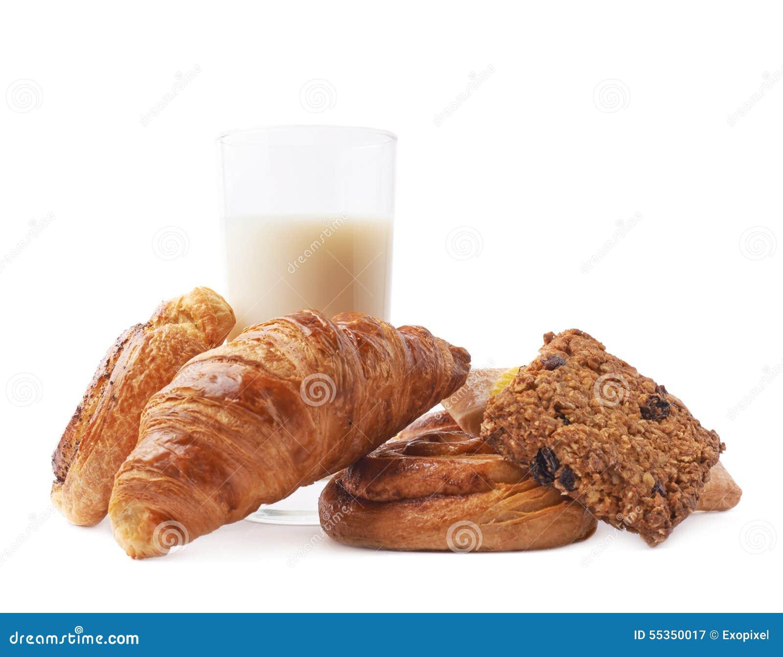 Bicchiere di latte e pasticceria