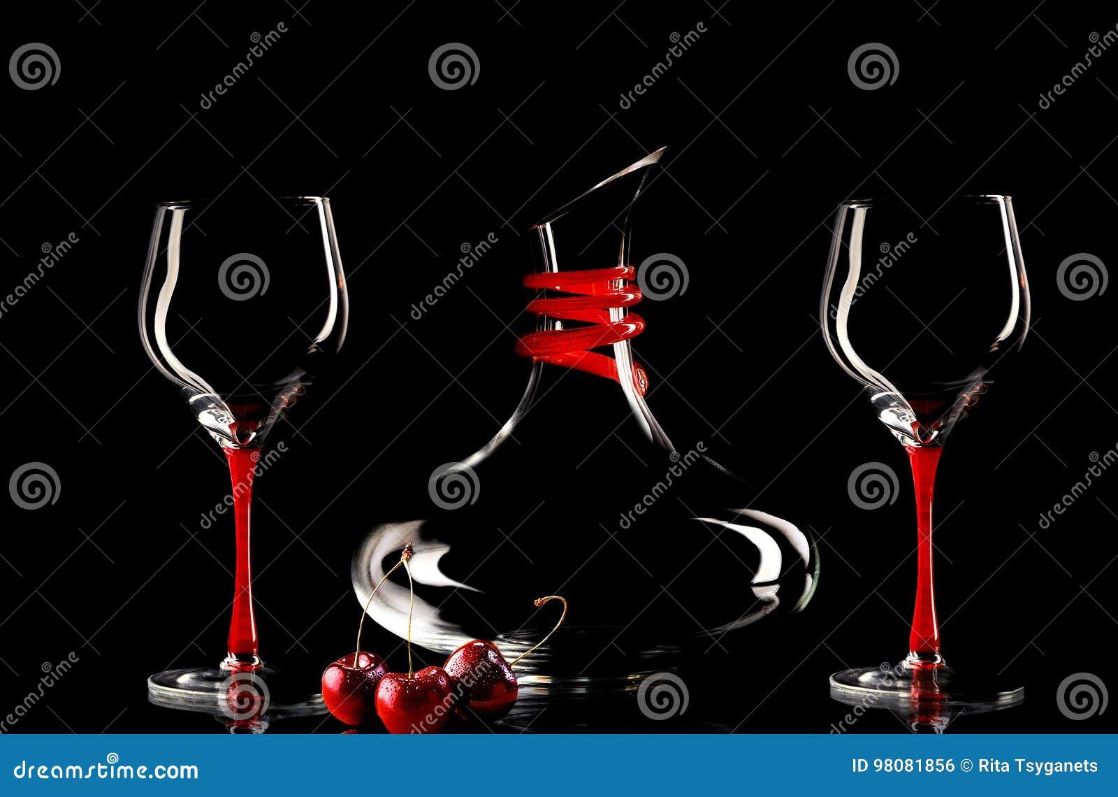Bicchieri di vino e bottiglia