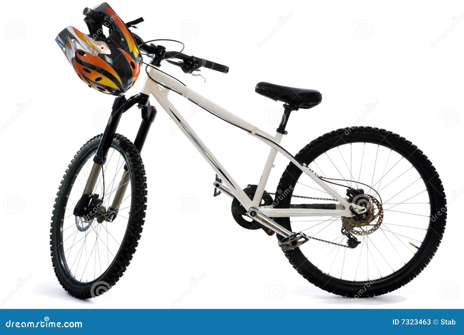 Bici e casco di montagna per la guida estrema