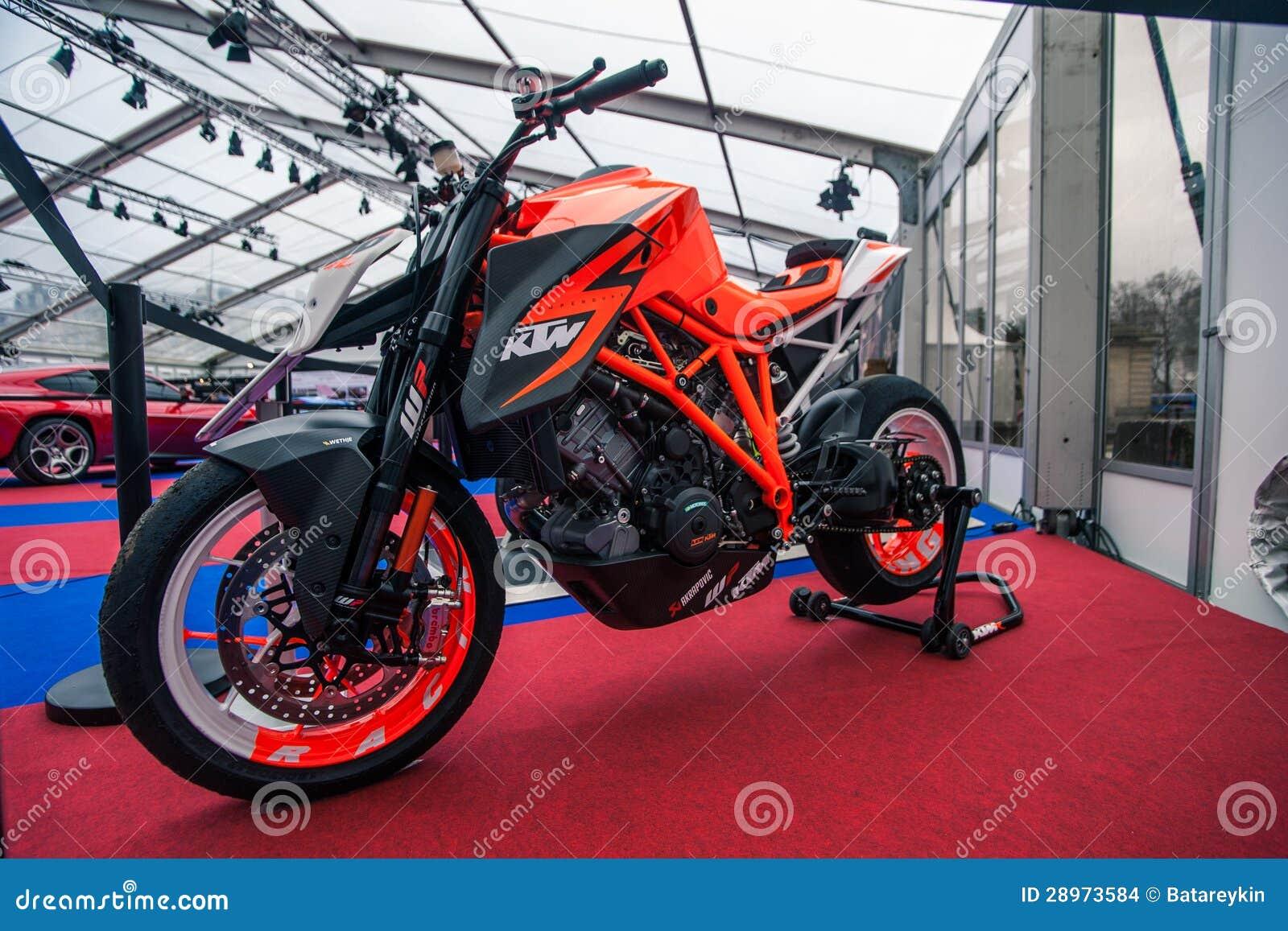bici ktm del concepto superduke 1190 imagen de archivo