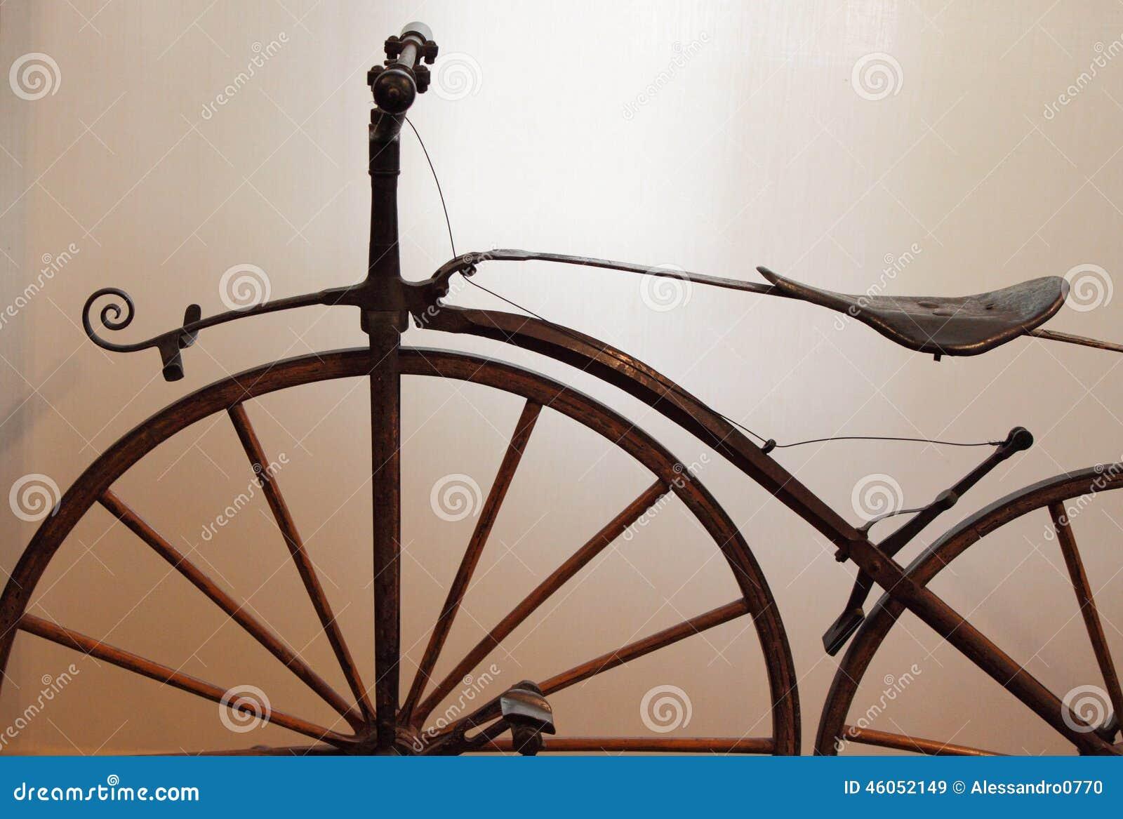Bicicleta velha das épocas