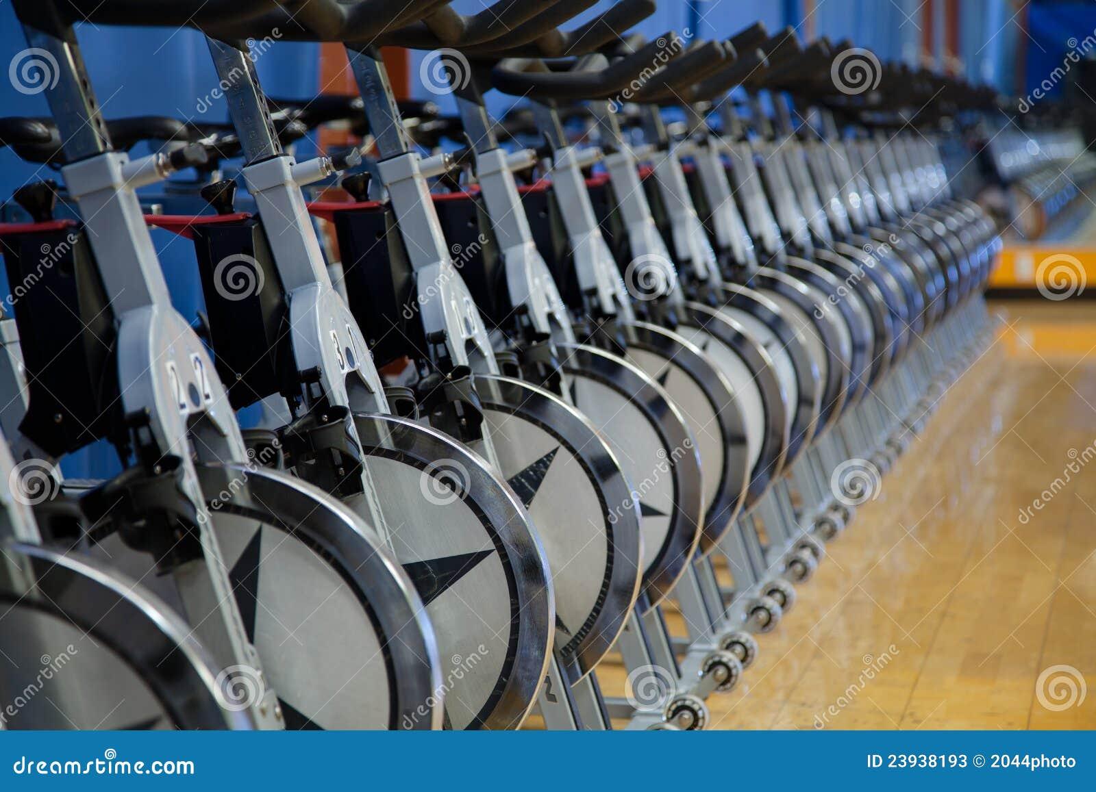 Bicicletas estacionárias da rotação