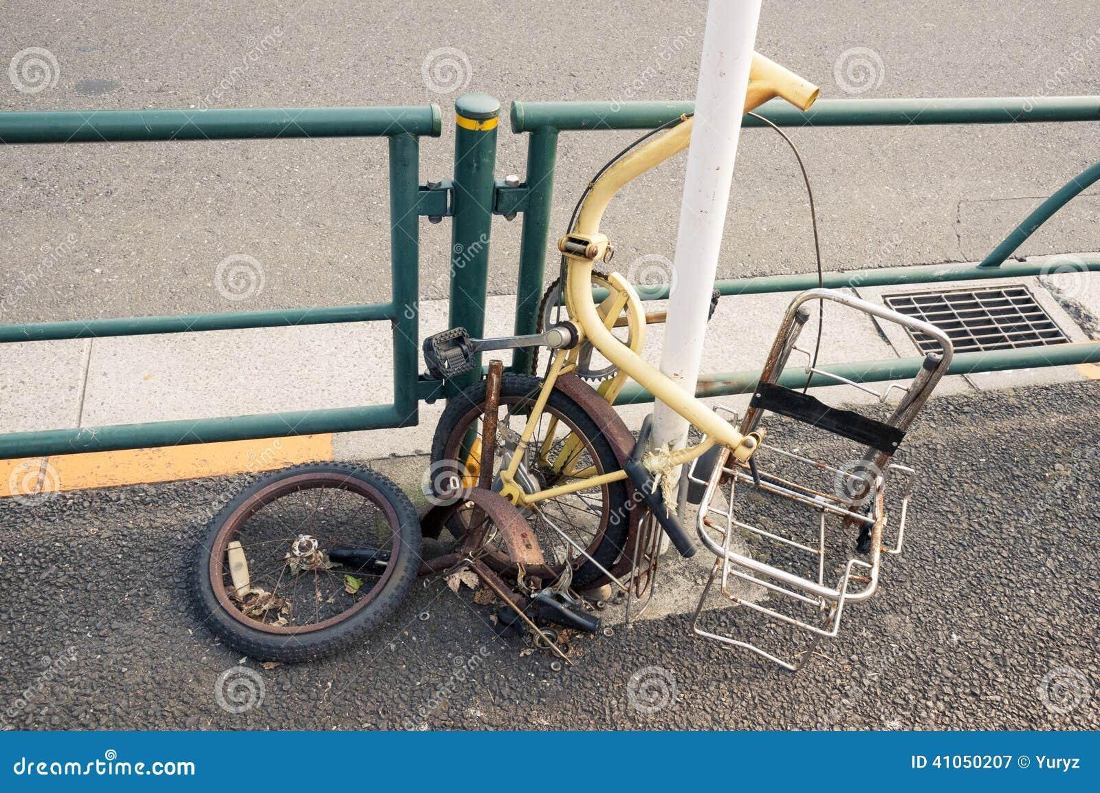 Bicicletta Rotta Immagine Stock Immagine Di Rotella 41050207