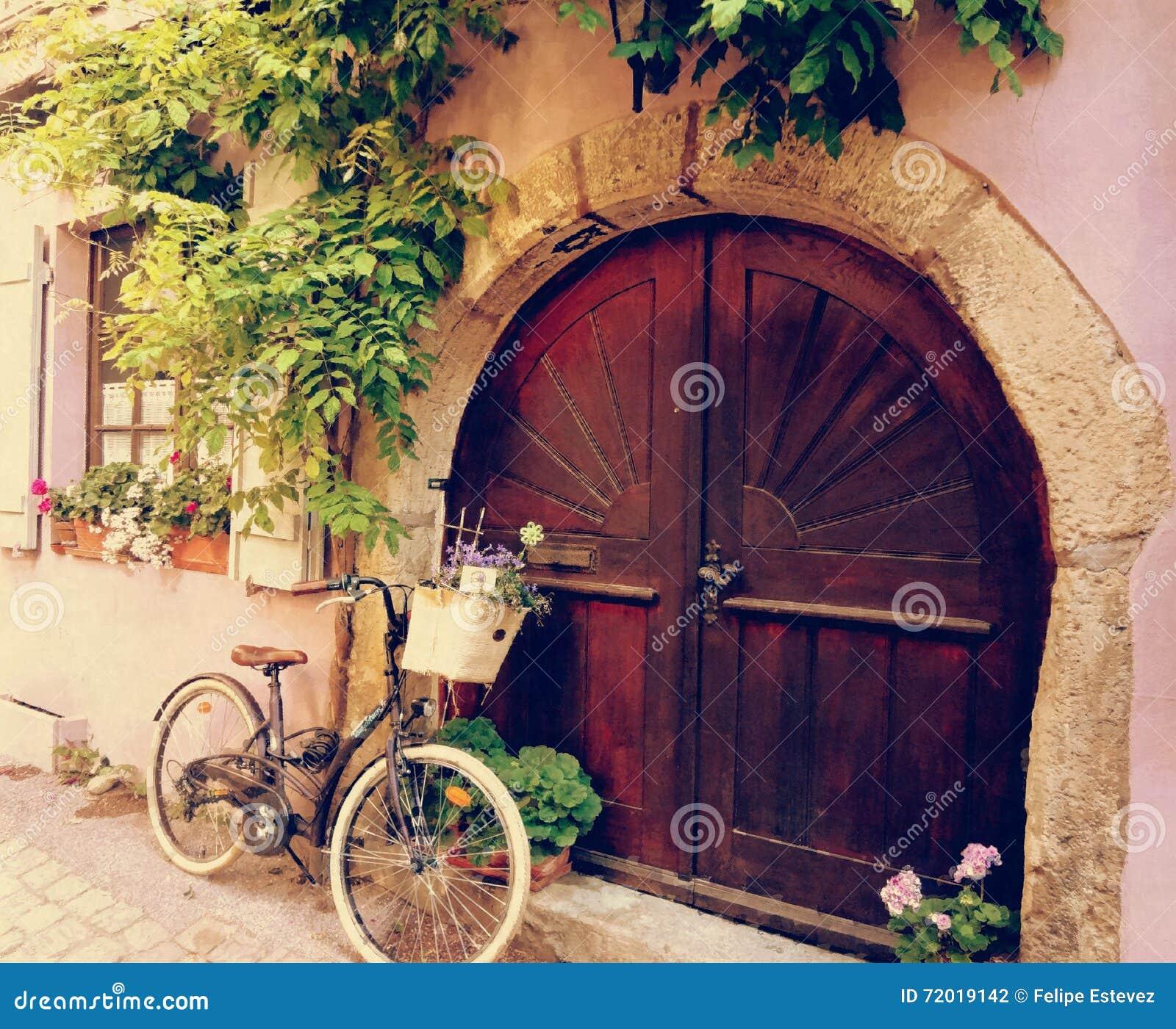 A bicycle in my door