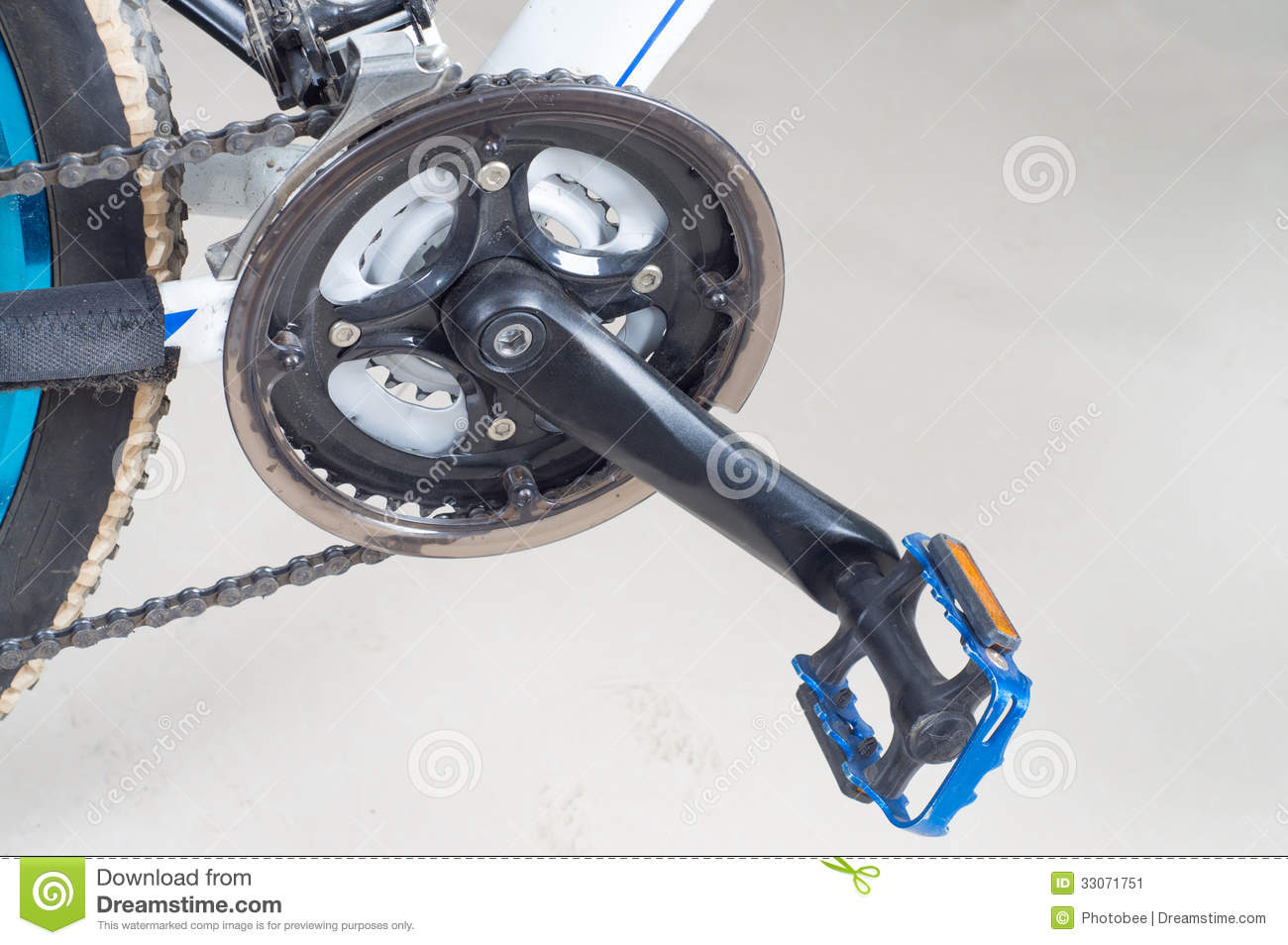 Bike close up on gear wheel, pedal and wheel.