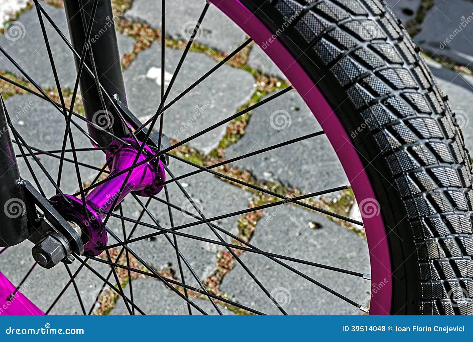 Bicycle wheel. Detail 13