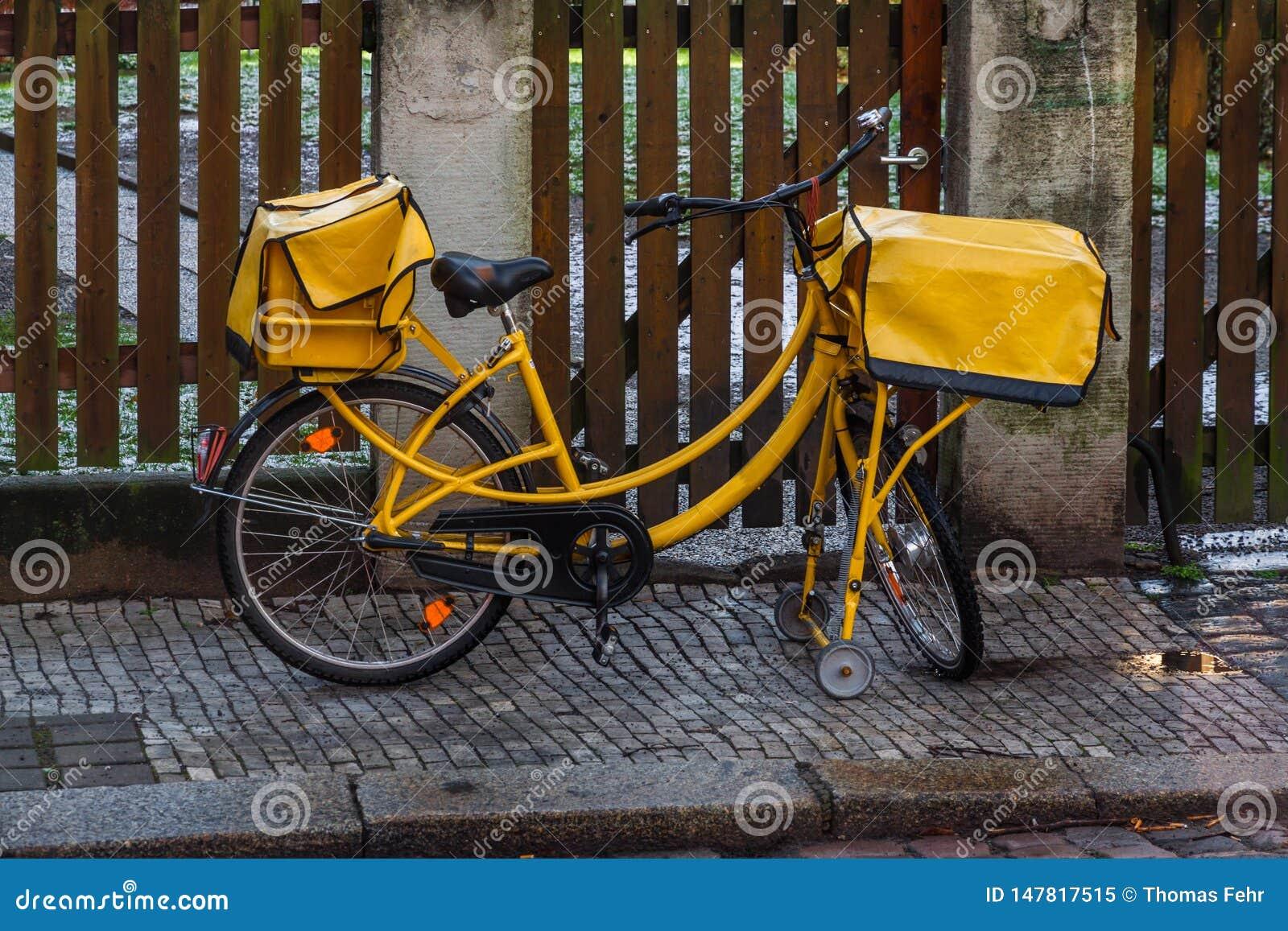 Bicyclette allemande de courrier