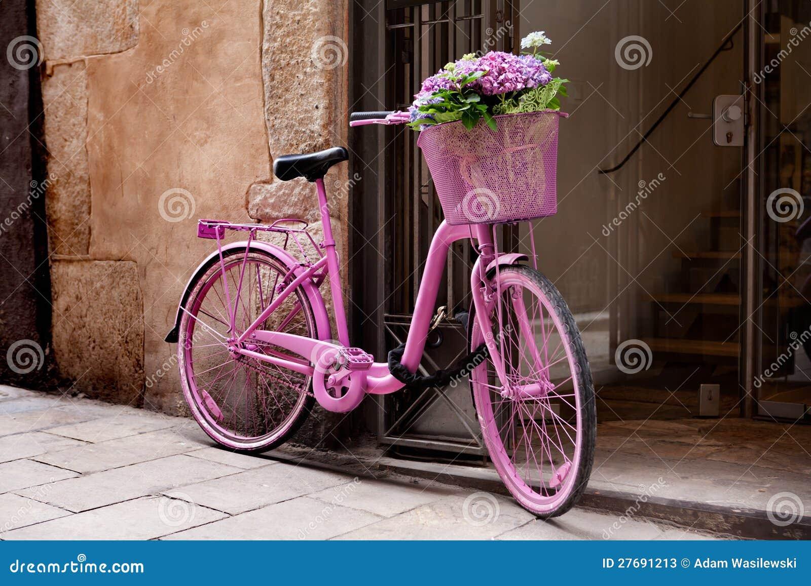 bicyclette rose photos stock image 27691213. Black Bedroom Furniture Sets. Home Design Ideas