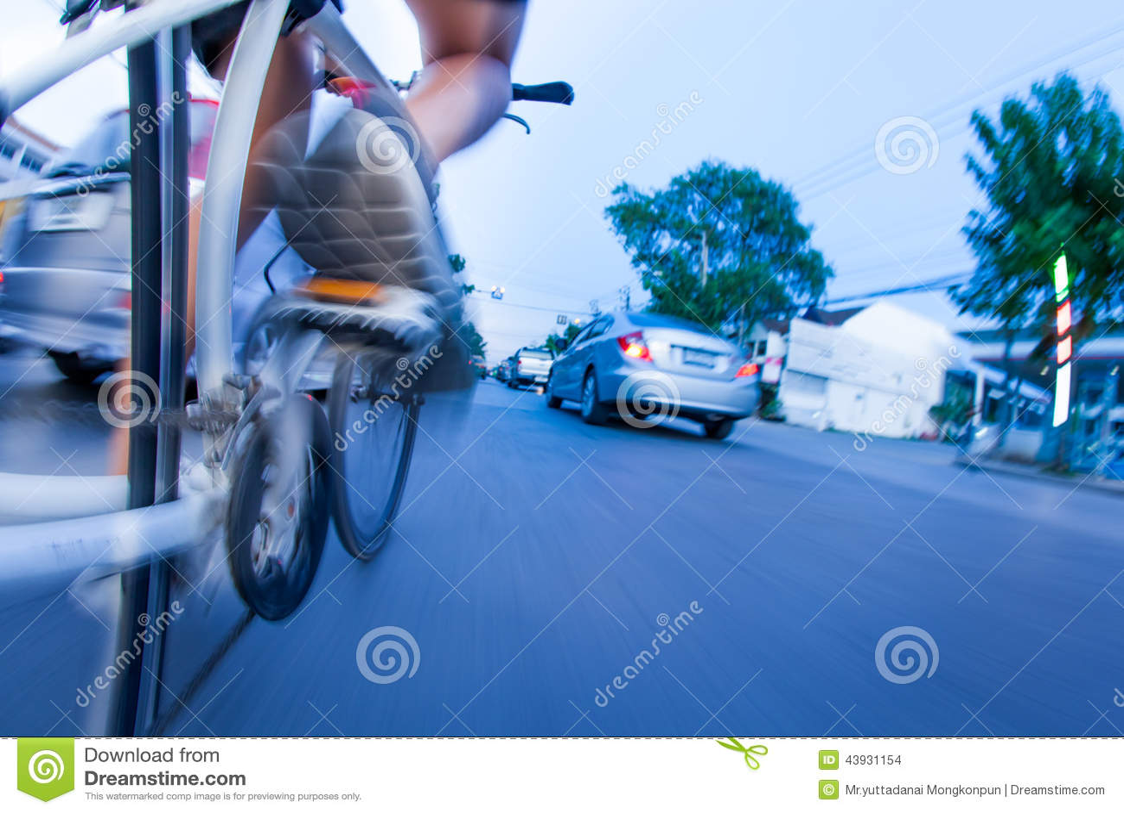 Bicycling no tráfego